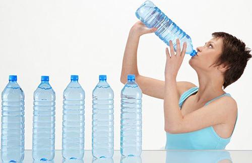 Обильное питье и постоянная жажда – верный признак сахарного диабета