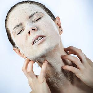 Сухость кожных покровов - один из признаков несахарного диабета